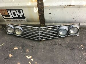 1963-1964 Buick Riviera Front Center Grill Assembly