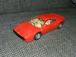 Bburago Ferrari GTO 1984 1:18 Modellauto Rot