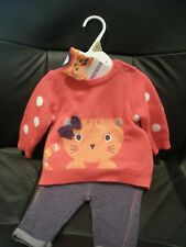 GIRL'S 3 PIECE OUTFIT WITH CAT DETAIL (trousers/jumper/socks) 0-3 MONTHS - BNWT