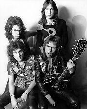 """GOLDEN EARRING"" IN 1973 DUTCH ROCK BAND - 8X10 PUBLICITY PHOTO (ZZ-020)"