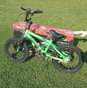 "Tony Hawk 14"" freestyle HuckJam  bike training wheels & Pegs GREEN Dynacraft BMX"