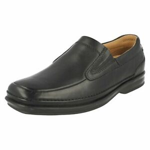 Mens Clarks Black Leather Slip On Casual Shoes H Fitting : Scopic Step
