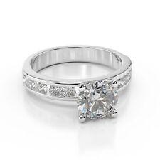 Ringe mit Diamanten für Hochzeit