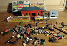 People & Station Accessories Job Lot MODEL RAILWAY Scenery 00 gauge