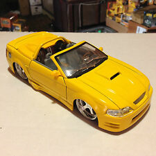 JADA 1/24 - Dub City 2002 Ford Mustang Convertible