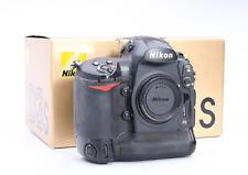 Nikon d3s Body + neuf dans sa boîte + 318 TSD. Auslösungen + état C (210610)