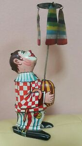 VNTG.CLOWN SPIN JUGGLER WIND UP CIRCUS 60's ROMANIA BUCURIA COPIILOR TIN TOY KEY