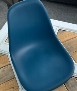 Herman Miller Charles Eames Plastic Side Shell Chairs Turquoise Blue