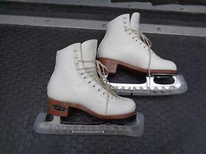 SP-Teri Girls Figure Ice Skates Size 4B #60 w/ Professional Blades MK Sheffield