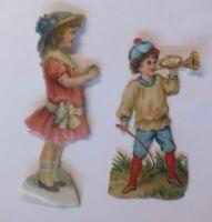""""""" 2 Oblaten, Bambini, Mode """" 1900, 8 cm x 2,5 cm e 6,5 cm x 3 cm (59229)"""