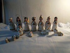 Santons / figurines de crèche en terre cuite     Characters of day-nurseries