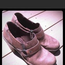 Borne leather boot/heels size 7.5