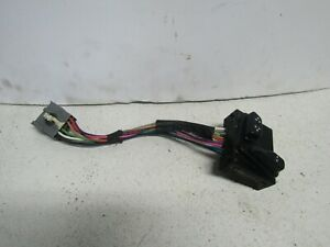01 LINCOLN TOWN CAR PASSENGER RH R SEAT SWITCH