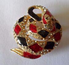 Broche Vintage diseñado como una serpiente en espiral con paneles y Diamante Rojo Y Negro