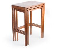 3 Beistell-Satz-Tische Bauhaus Art Deco Holz Höhe bis 73 cm 3 side table