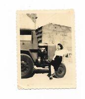 """Foto, BERLIN 1952, """"Ein Gruß vom zerstörten Berlin,Traktor"""
