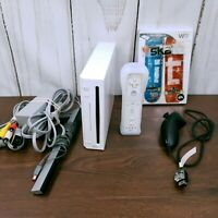 Nintendo Wii Console, White (RVL-001) with GameCube Ports - Tested - w/ Skate it
