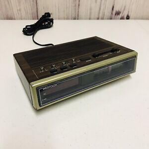 Vintage Westclox 80170 Classic AM/FM Alarm Clock Radio