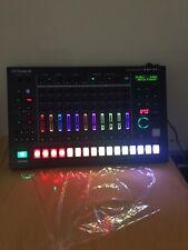 ROLAND TR-S8 Rhythm Performer - NICE!