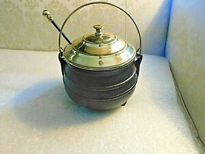 HARVIN VIRGINIA METALCRAFTERS CAST IRON AND BRASS FIRE STARTER  POT  NEW OLD STO