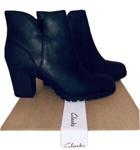 Clarks Verona Trish Black Leather Boots Sz8M Ankle H-Heel Cushion Rubber Sole