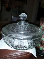 VINTAGE AVON CLEAR GLASS COVERED CANDY/POWDER PUFF DISH BEAUTIFUL MINT