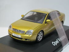 Opel Vectra C Notchback 4-Door Coupe 1/43 Schuco (18)