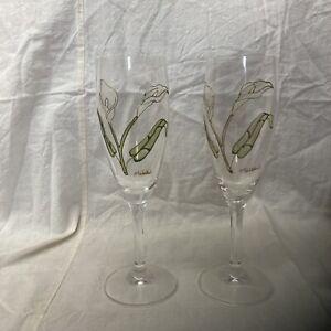 Hand Painted Peace Lily Champagne/ Wine Glasses. Malakai Beautiful!!!!!!!