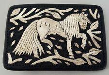 Buckle-Hebilla pitiada artesanal 100%  piel bordada a mano  con hilo de plata