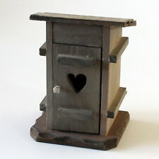 Krippenzubehör Plumpsklo, WC, Klohäuschen, stilles Örtchen, 12 cm Krippendeko