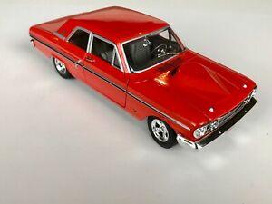 Johnny Lightning 1:24 1964 Ford Fairlane Thunderbolt T-bolt - Red