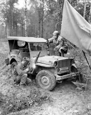 """WW2 WWII Photo World War Two US Army """"Press"""" Jeep Repairs Willys Ford   / 3147"""