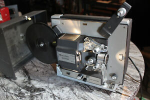 BELL & HOWELL 462A - SUPER 8 MOVIE PROJECTOR FILM WORKS GREAT! VINTAGE