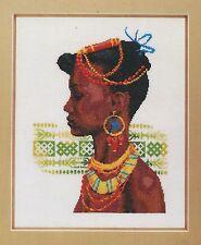 Stickpackung Stickbild sticken 43x51 cm Afrikanerin Afrika Frau Mädchen Urlaub
