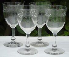 Val Saint Lambert - Lot de 4 verres à vin en cristal taillé. Haut. 13,2 cm