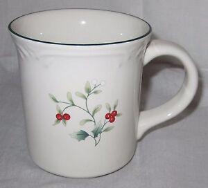 Pfaltzgraff Winterberry Dishware & Microwave Safe Winterberry Mug Cup 12 oz NEW
