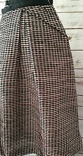 EUC VALENTINO SKIRT 100% SILK PLEATED Patterned Dashes Size 10 BEIGE Black Pink