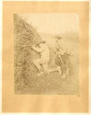 Crémière, chasseurs Vintage albumen print Tirage albuminé  22x28