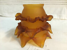 Tulipe / coupelle ambre  en pâte de verre pour lustre ou lampe