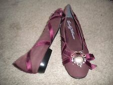 Merona dusty pink leather slip-on flats shoes with cute design at toe EUC 8.5