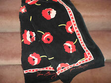 Vera Bradley Beach towel in Poppy Fields