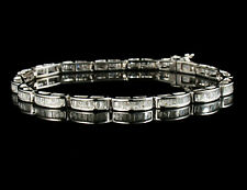 ZALES BAGUETTE CUT NATURAL 4.0ctw DIAMOND 14K WHITE GOLD LINE TENNIS BRACELET