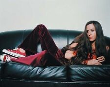 Alanis Morissette UNSIGNED photo - H5344 - Musician, record producer and actress
