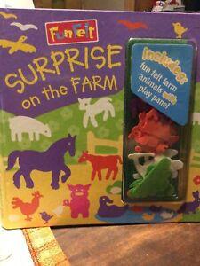 2000 Fun Felt Surprise On The Farm Never Used Tangerine Press