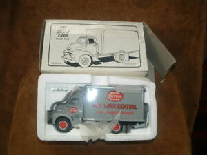 BRAND NEW OLD STOCK 1953 FORD DRY GOODS VAN STRAIGHT JOB BOX TRUCK FIRST GEAR