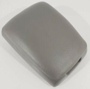 03 - 09 Kia Sorento Center Console Storage Lid Armrest - Gray Vinyl