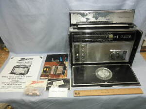 Museum Quality 1972 Zenith Royal D7000-Y Trans-Oceanic 11 Band Transistor Radio