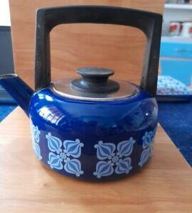 Vintage /retro Enamel Blue Small Kettle holds 2.5 pints 99p