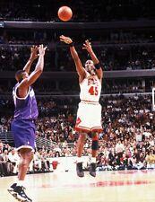 1995 MICHAEL JORDAN Chicago Bulls #45 ACTION PLAYOFF GAME Glossy Photo 8x10 WOW!