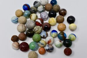 MARBLES-ANTIQUE  CLAY, POTTERY AND  MACHINE MADE GLASS MARBLES JOB LOT - Lot M36